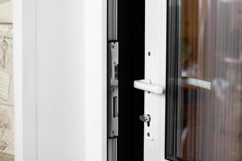 Características das portas exteriores em alumínio